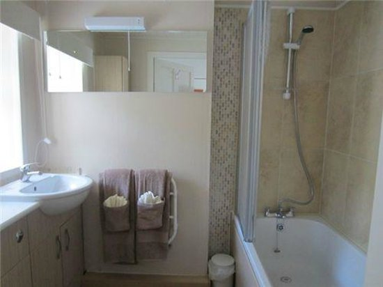 Rowan Cottage B&B: Ensuite for Twin Room