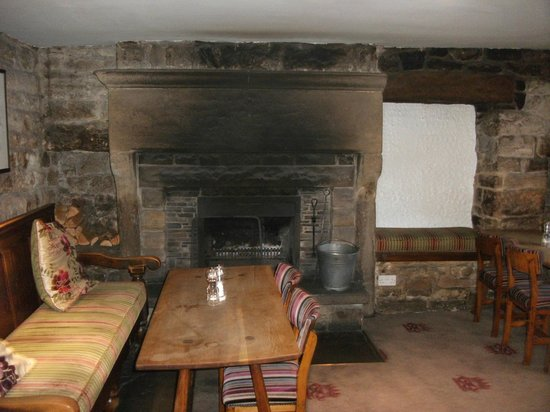 Devonshire Arms at Beeley: Fire place