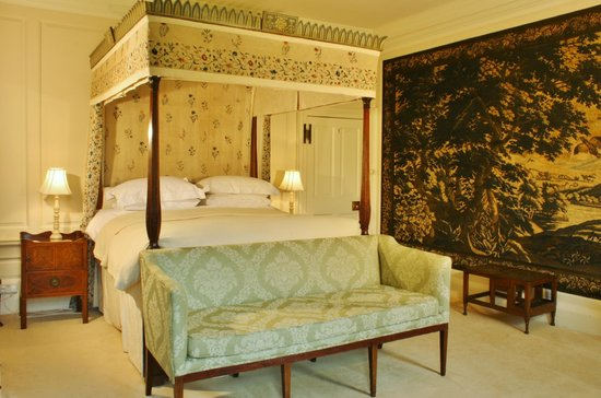 Frampton on Severn, UK: The Tapestry bedroom