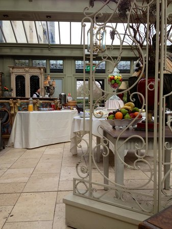 Coombe Abbey Hotel: Breakfast/tea room