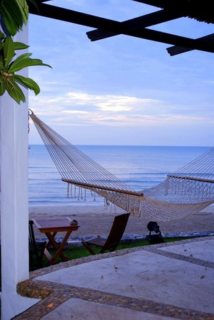 Aleenta Resort Pranburi : Hammock outside our room