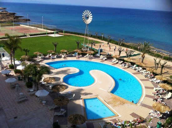 Pernera Beach Hotel: la piscine