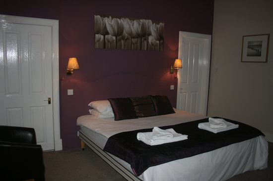 Kirkmichael, UK: Room 2 and can take 2 extra single beds