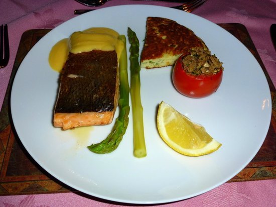 Brooklynn Guest House: Pan fried salmon