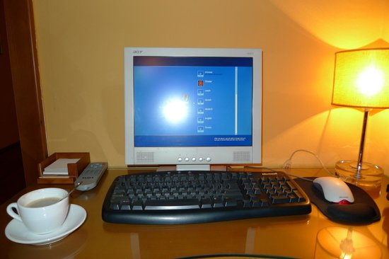 Cloister Inn Hotel: Internet and cup of coffee
