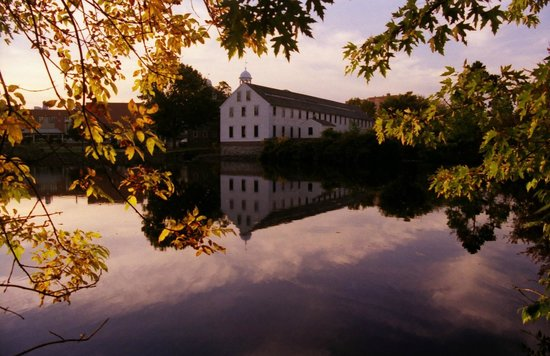 Pawtucket, RI: Historic Site in Autumn