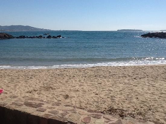 Pullman Cannes Mandelieu Royal Casino: view of the beach