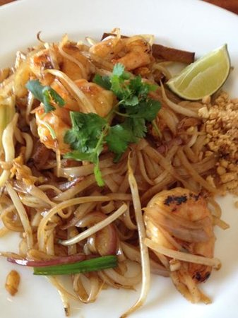 Long Branch, NJ: Shrimp Pad Thai