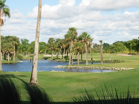 The Naples Beach Hotel &amp; Golf Club: golf
