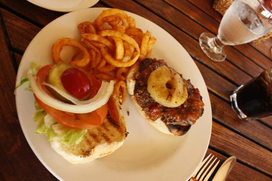 Sandals Royal Bahamian Spa Resort & Offshore Island: Lunch