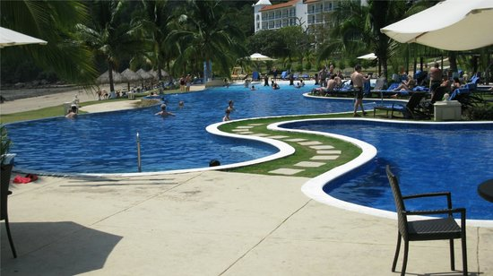 InterContinental Playa Bonita Resort and Spa: une des 2 piscines