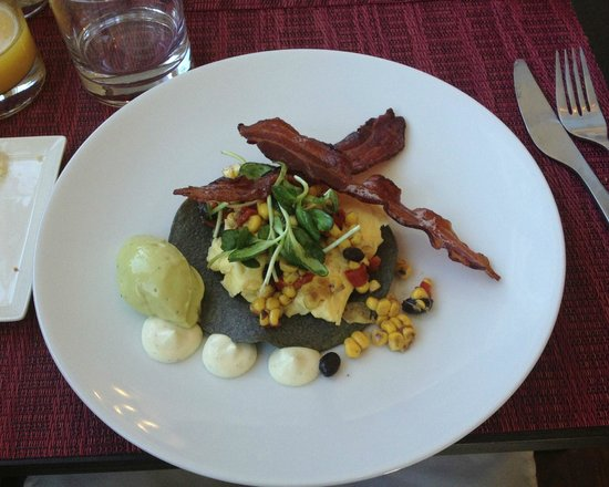 Olea Hotel: Gourmet Breakfast: Blue corn tostata, eggs, black bean & corn relish, avacado mousse, and more!