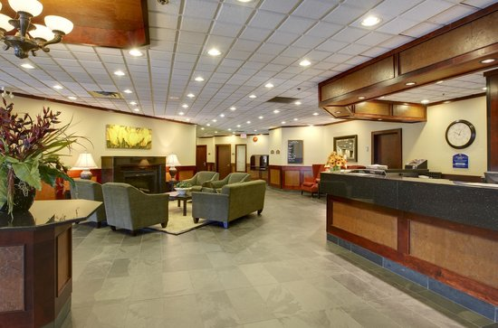 Comfort Inn & Suites Conference Centre: Lobby