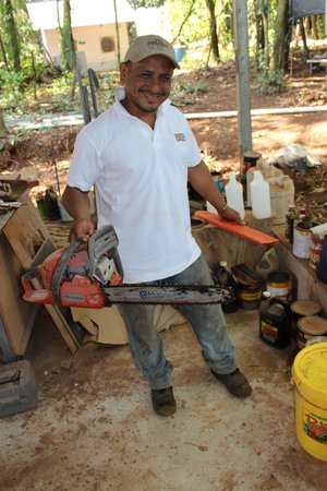 Chiriqui Province, Panam: island carpenter