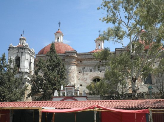 Casa de los Milagros B&B: One of the many churches