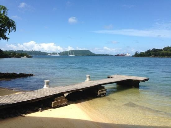 Fatumaru Lodge: easy to fish and swim from your own pier