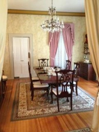 Benefield House Bed &amp; Breakfast