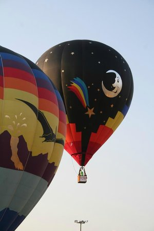 Staybridge Suites Albuquerque North: Balloons are a common sight from the patio area in the morning!