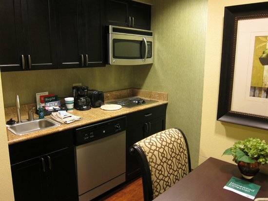 Homewood Suites by Hilton Lafayette: Kitchen