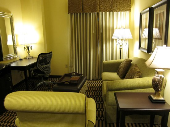 Homewood Suites by Hilton Lafayette: Comfortable and stylish living room