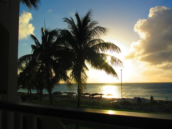 Royal West Indies Resort: awesome sunsets