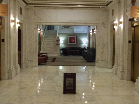Club Quarters Chicago -- Wacker at Michigan: Lobby