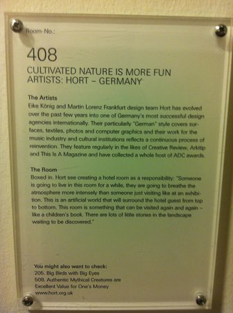 Hotel Fox : Artist description of the room