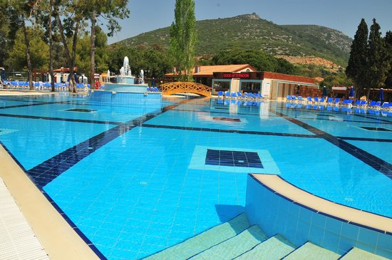 Kustur Club Holiday Village: Swimming pool