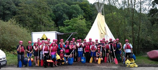 Symonds Yat, UK: Worcester Dragon Boaters on a days Canoeing.