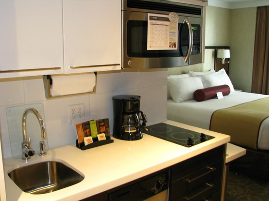 self contained kitchen picture of staybridge suites. Black Bedroom Furniture Sets. Home Design Ideas