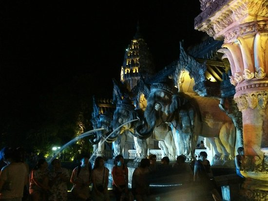 Phuket FantaSea: Palace of Elephants