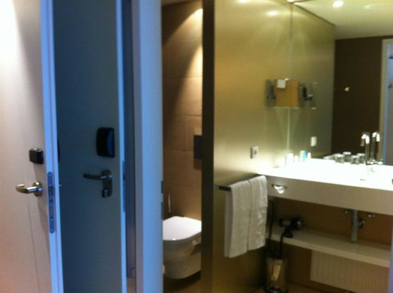 Austria Trend Hotel Park Royal Palace: Bathroom