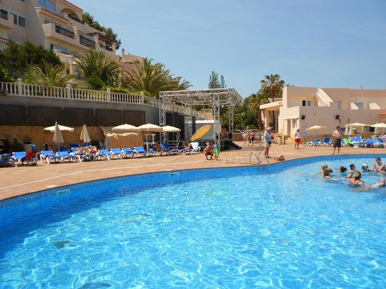 Invisa Hotel Club Cala Verde: Pool area