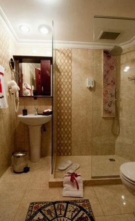 Angel's Home Hotel: Bathroom