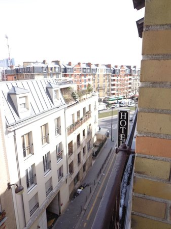 Hotel Armstrong Paris: view from our balcony (1)