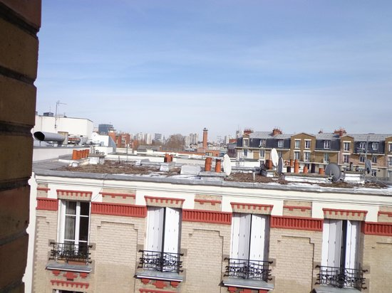 Hotel Armstrong Paris: view from our balcony (3)