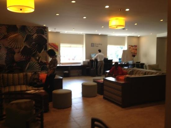 Courtyard by Marriott Bridgetown: The Lobby
