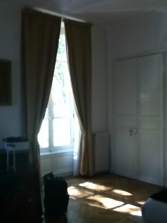 Hotel Particulier Poppa: Great big windows in the room
