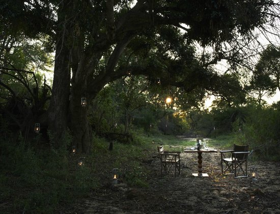 Singita Private Game Reserve, Afrika Selatan: Intimate Outside Dining at Singita Boulders Lodge