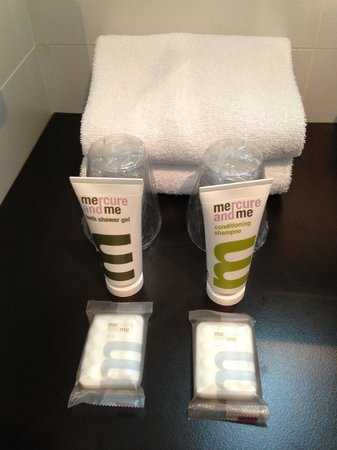 Mercure Paris Montmartre Sacre Coeur: Bathroom Amenities