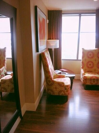 Andaz Savannah: Full length mirror and sitting area as you walk in.  Corner suite.