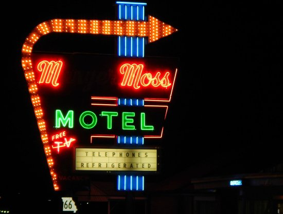 Munger Moss Motel: LOVE the massive neon!