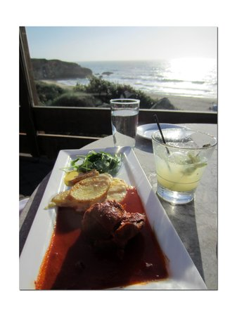 Montara, Californien: Adobo + Pisco de Agave = Saturday Afternoon