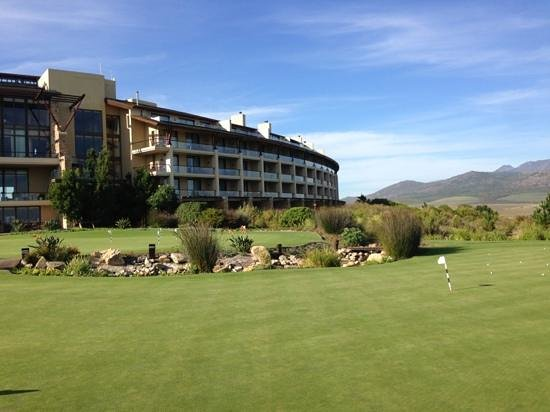 Arabella Hotel and Spa: practice green