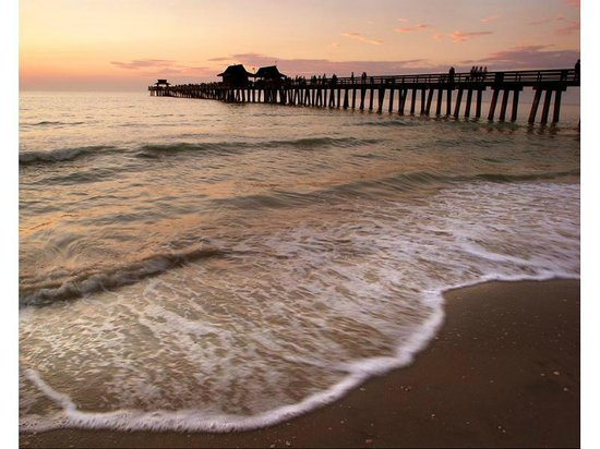 Bel-Mar Suites: Walk to Naples Pier : )