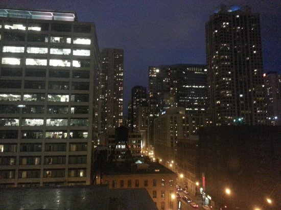Hotel Sax Chicago: View from room on 8th floor