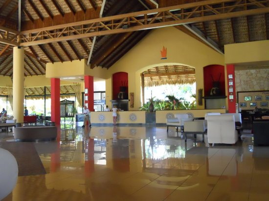 Tropical Princess Beach Resort &amp; Spa: Lobby