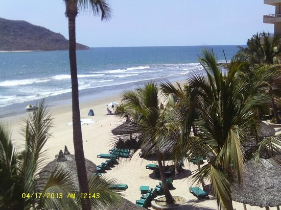 Hotel Playa Mazatlan: View of beach from Room