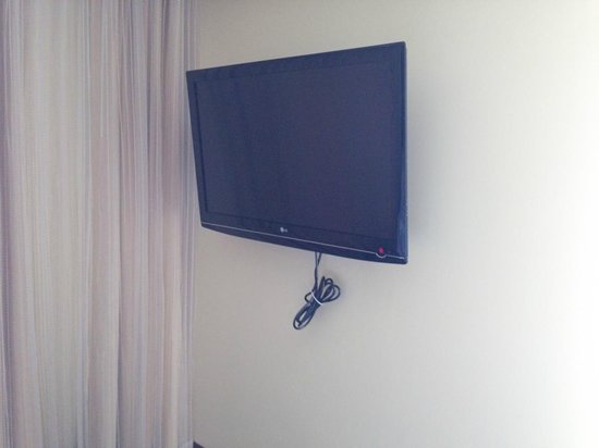 Hilton Asheville Biltmore Park: TV installation