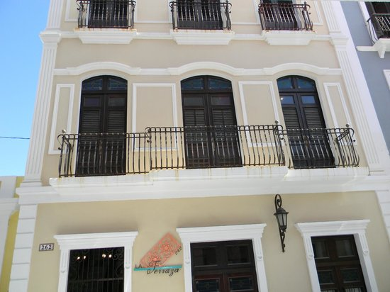 La Terraza Hotel: Outside of hotel